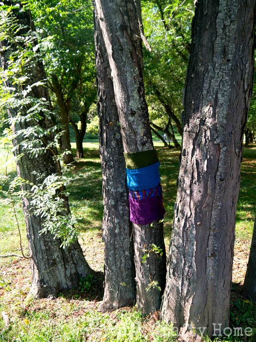 yarn bomb at the park